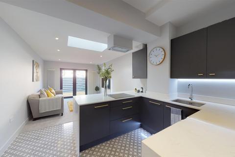 2 bedroom apartment for sale - Alumhurst Road, Alum Chine