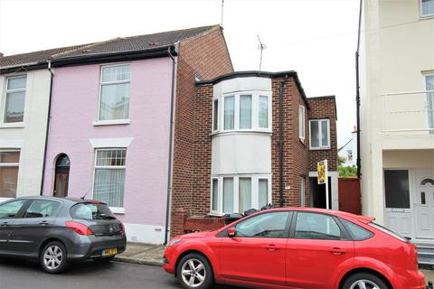 3 bedroom end of terrace house for sale - Richmond Road, Southsea