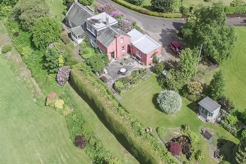3 bedroom detached house for sale - Birchwood Cottage, 1 The Green, Balerno, EH14 7LD