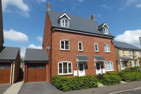 3 bedroom townhouse for sale - Greenacre Way, Bishops Cleeve, Cheltenham, GL52