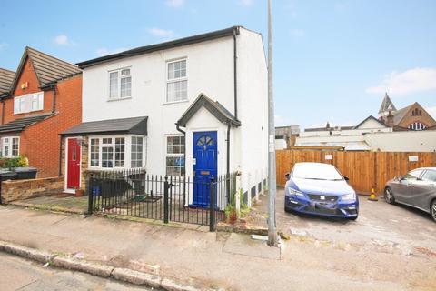 2 bedroom cottage for sale - Smarts Lane, Loughton