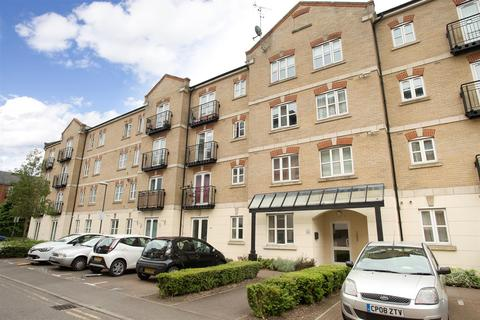 2 bedroom flat for sale - Coxhill Way, Aylesbury