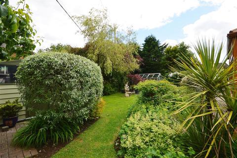 4 bedroom detached bungalow for sale - Nantycaws, Carmarthen