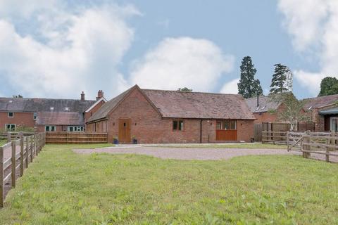 3 bedroom barn conversion for sale - Harvest Barn, Gorcott Hill, Beoley, Redditch, B98 9ET