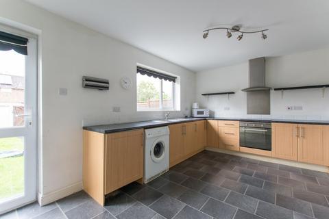 3 bedroom terraced house to rent - Frank Brookes Road, Cheltenham GL51 0UW