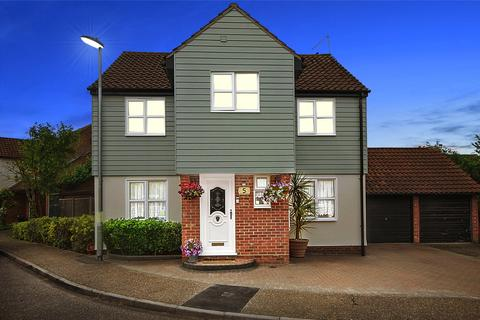 4 bedroom detached house for sale - Cornish Grove, South Woodham Ferrers, Chelmsford, Essex, CM3