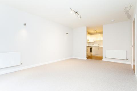 3 bedroom flat to rent - Chelmer Road, London, E9