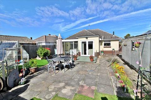 2 bedroom detached bungalow for sale - Bridport Road, Poole