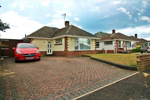 2 bedroom detached bungalow for sale - Bridport Road, Poole