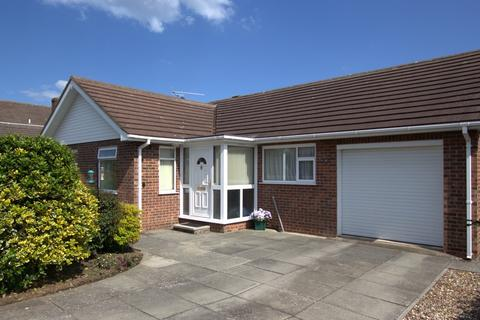 3 bedroom detached bungalow for sale - Mordacks Road, Bridlington