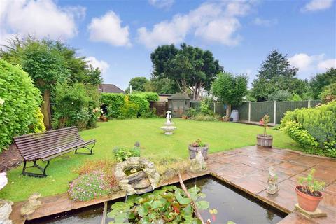 2 bedroom detached bungalow for sale - Northdown Park Road, Cliftonville, Margate, Kent