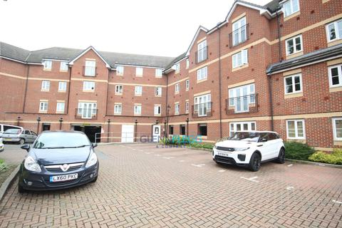 2 bedroom flat to rent - Eaton Avenue, Burnham, Berkshire