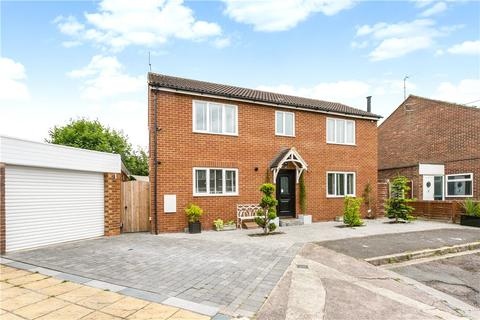 3 bedroom detached house for sale - Mowbray Road, Aylesbury, Buckinghamshire