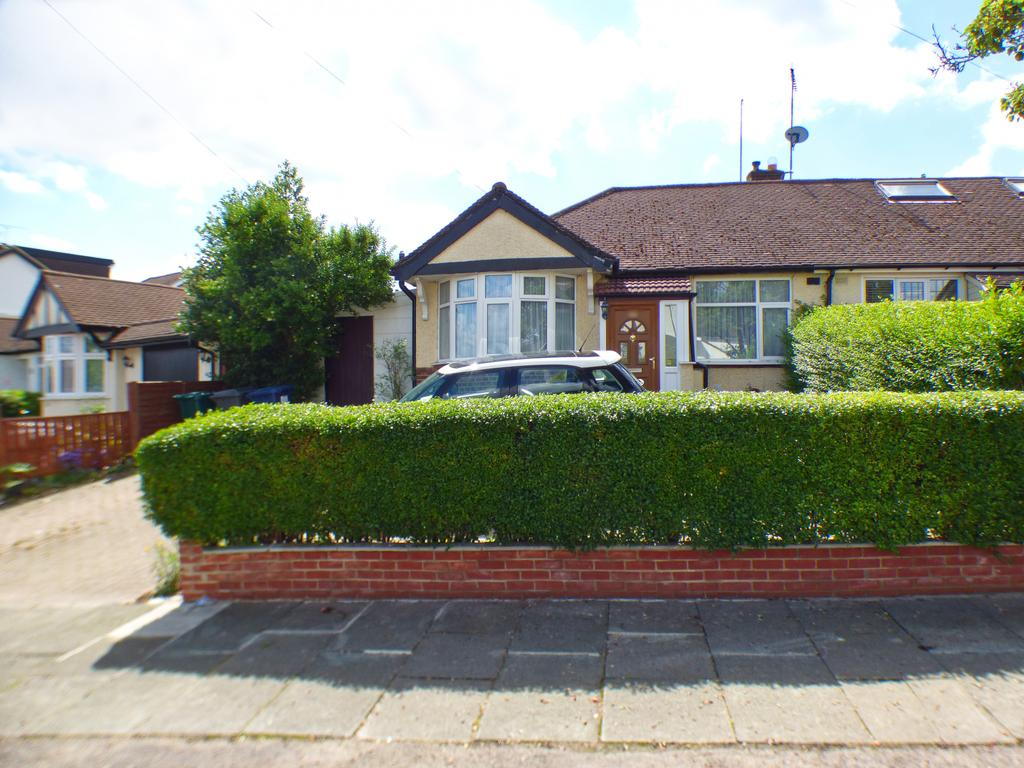 Spacious 2 Bedroom Bungalow with step free access