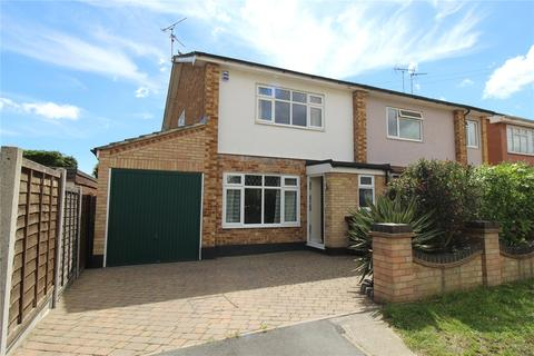 3 bedroom semi-detached house for sale - Woodside Chase, Hawkwell, Essex, SS5