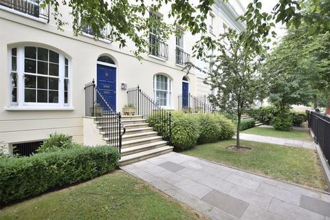 2 bedroom flat to rent - Wellington Place London Road, CHELTENHAM, GL52