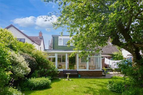 3 bedroom bungalow for sale - Church Road, Ramsden Heath, Billericay, Essex