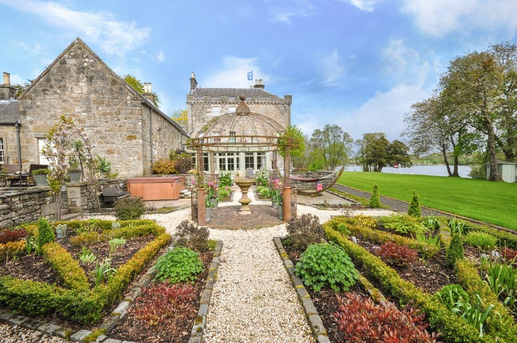 Excellent Spectacular Scottish Castles And Estates For Sale Country Life Home Interior And Landscaping Spoatsignezvosmurscom
