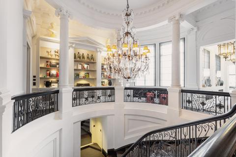 1 bedroom flat to rent - Cadogan Square, London SW1X