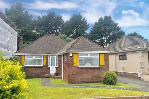 2 bedroom detached bungalow for sale - Corbiere Avenue, Poole, BH12 4JJ