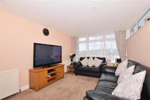 2 bedroom end of terrace house for sale - Weavers Way, Dover, Kent
