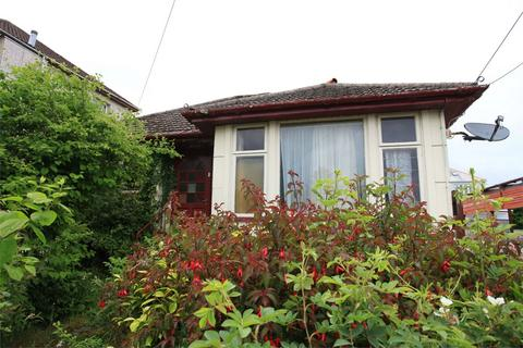 2 bedroom detached bungalow for sale - Graham Avenue, St Austell