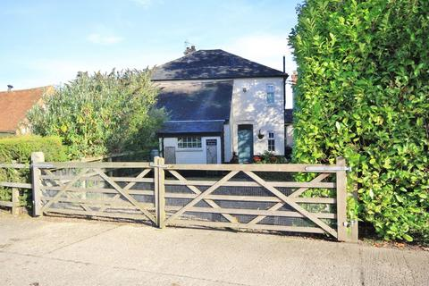 3 bedroom farm house to rent - Nr West Wycombe | Buckinghamshire