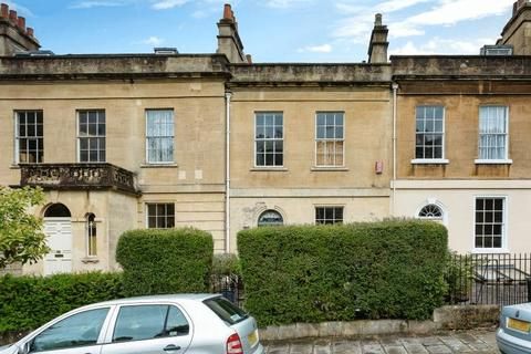 3 bedroom terraced house to rent - Lyncombe Hill, Bath