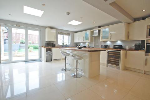 4 bedroom semi-detached house for sale - Wainwright Avenue, Great Notley, Braintree, CM77