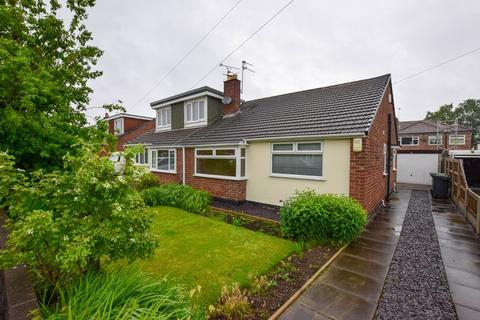 2 bedroom semi-detached bungalow to rent - Selworthy Drive, Thelwall, Warrington