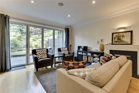 4 bedroom end of terrace house to rent - Warren Close, Esher, Surrey, KT10