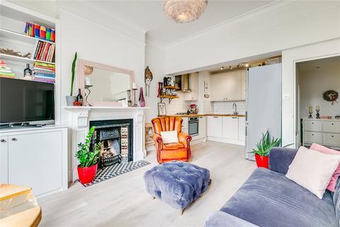 2 bedroom flat for sale - Foxbourne Road, London, SW17