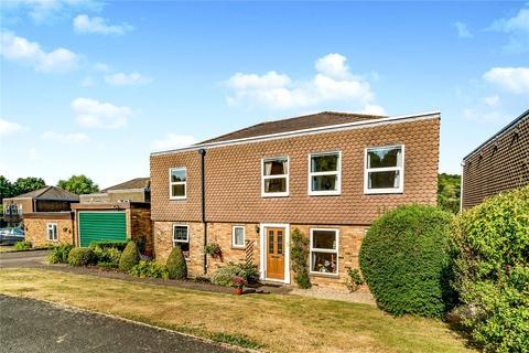 4 bedroom detached house to rent - Fleet Close, Hughenden Valley, High Wycombe, Buckinghamshire, HP14