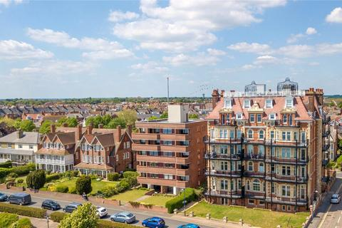 2 bedroom character property for sale - Apartment 3, Cliff House, Chevalier Road, Felixstowe, Suffolk, IP11