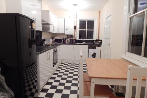 4 bedroom house to rent - Gotham Street, Off London Road, Leicester