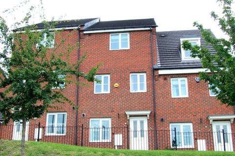 4 bedroom townhouse to rent - Halfway Close, Sheffield, S20