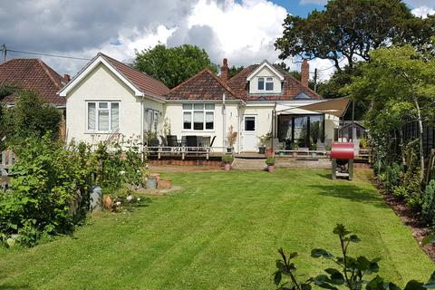4 bedroom detached bungalow for sale - Stylish detached family home
