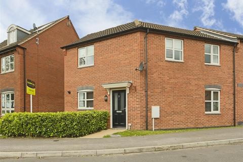 3 bedroom semi-detached house for sale - Roman Crescent, Hucknall, Nottinghamshire, NG15 8GL