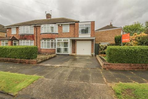 4 bedroom semi-detached house for sale - Belmount Avenue, Melton Park