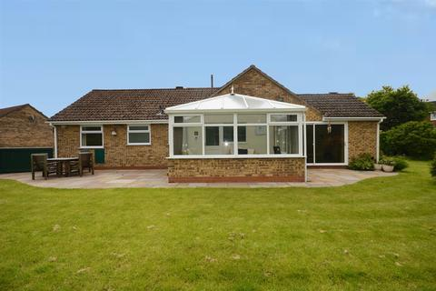 2 bedroom detached bungalow for sale - Shelburne Drive, Haslington