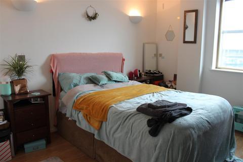 2 bedroom apartment for sale - West Point, Wellington Street, Leeds
