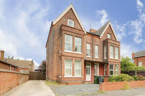 3 bedroom apartment to rent - Church Drive, Daybrook, Nottinghamshire, NG5 6JD
