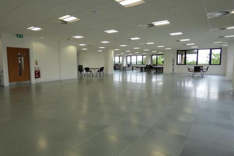 Office to rent - Elstree Way, Borehamwood