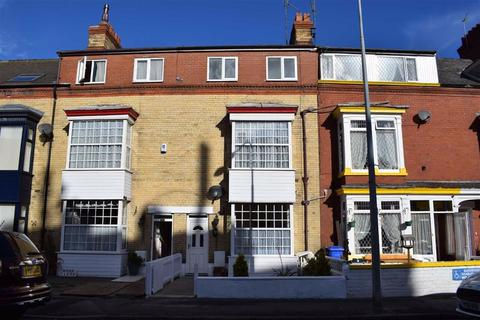 6 bedroom terraced house for sale - Horsforth Avenue, Bridlington, East Yorkshire, YO15