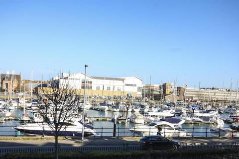 2 bedroom apartment for sale - Harbourside Views, Balcony & Parking