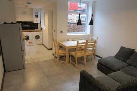 3 bedroom terraced house for sale - Newport Street, Manchester