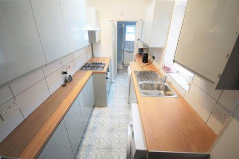 4 bedroom terraced house to rent - Nicholls Street, Hillfields, Coventry