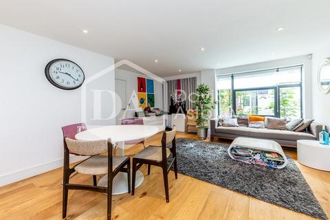 3 bedroom mews for sale - Omega Terrace, High Road, Wood Green N22