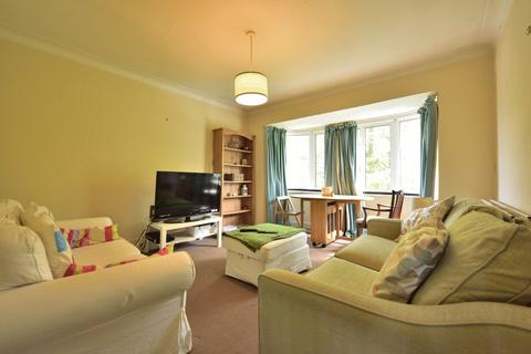 2 bedroom apartment to rent - Hanger Lane, Ealing, W5
