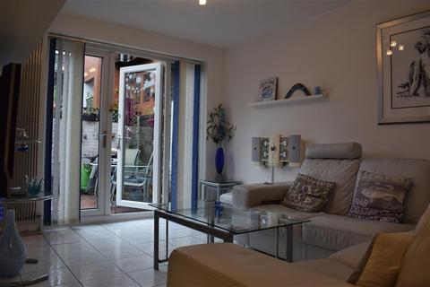 1 bedroom flat for sale - Martlesham Walk, Manchester, M4 1LY